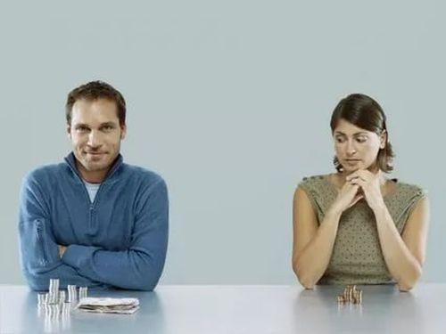 Добровольные алименты в браке уплачивает бухгалтерия